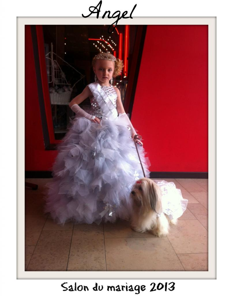 Angel avec la mini miss de France au salon du mariage